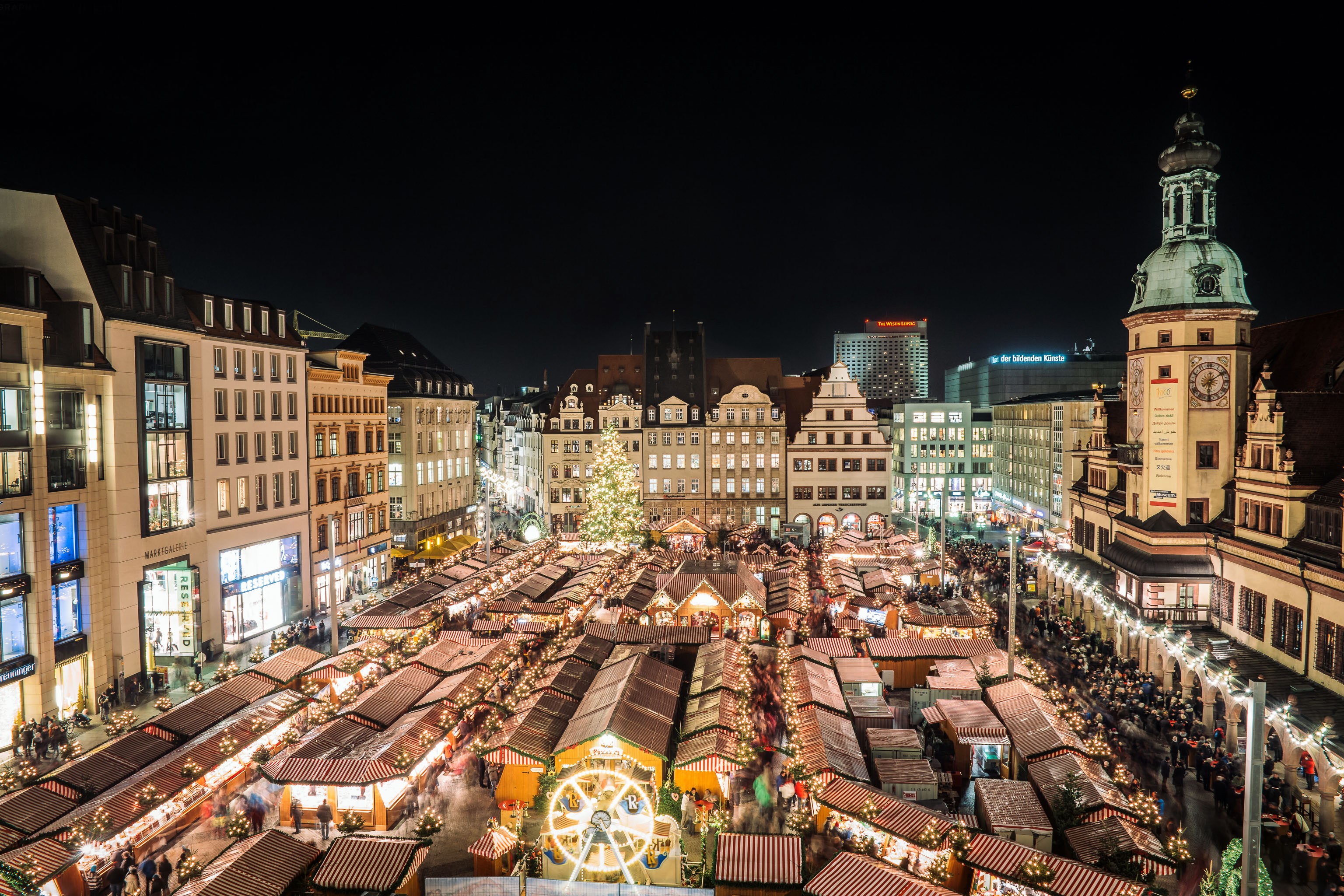 Christmas market in Leipzig today. Quite sure the market place did not look like this in Bach's time, but no doubt there was also a very special atmosphere. Enjoy the Christmastide!